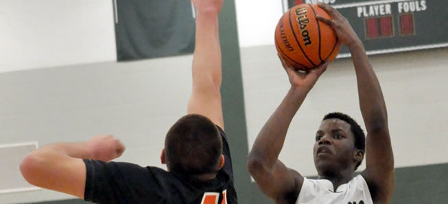 Hornets outlast Jersey Shore in Christmas Tournament.
