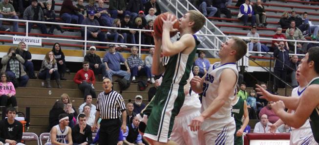 Minersville tops Wellsboro, 42-33.