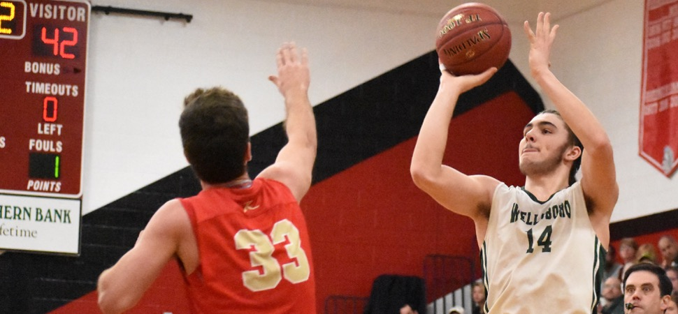 Hornets 4th quarter rally falls short against Holy Redeemer.