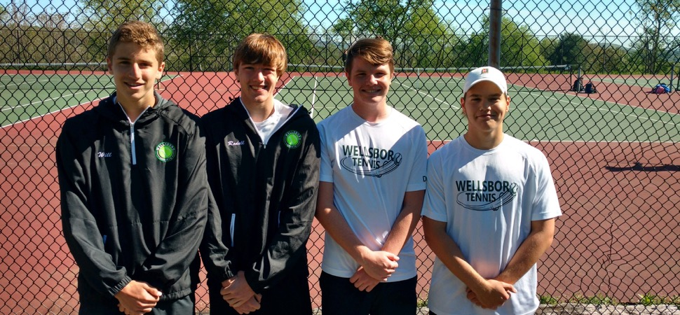 Redell, Poirier reach quarterfinals of D4 doubles tournament.