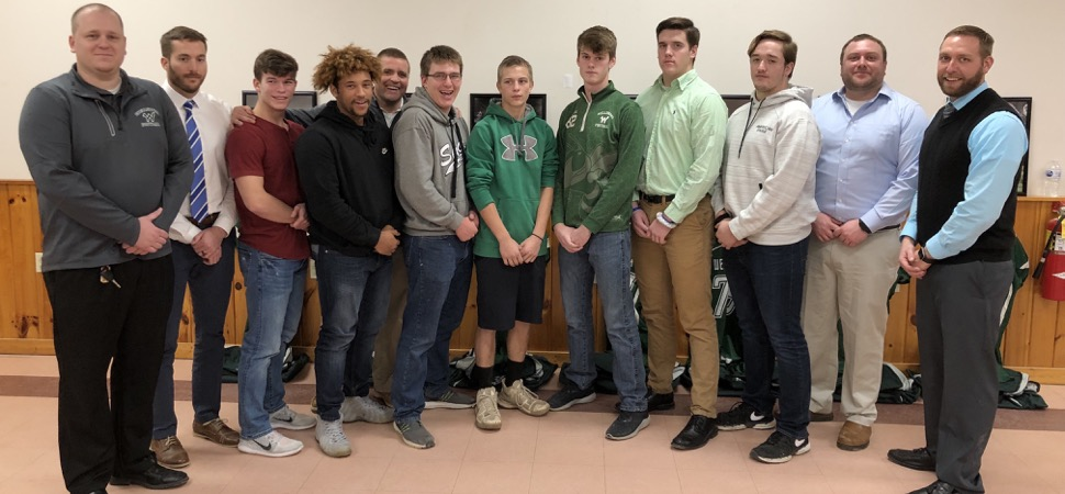 Gridders Club honors 2018 senior football class.