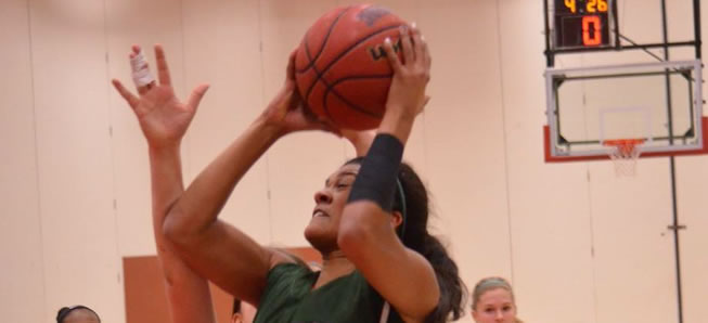 Lady Hornets fall to Bryn Mawr, 52-32.