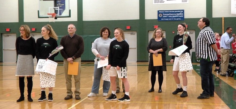 Lady Hornets cruise to Senior Night win.