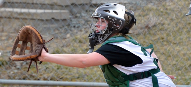 Hornet softball rallies to beat Athens, 7-3.