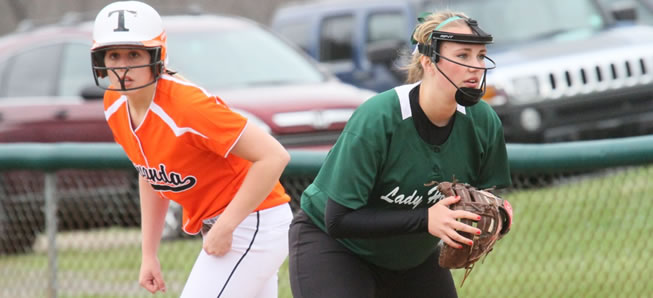 Lady Hornets top Coudersport, 4-1.