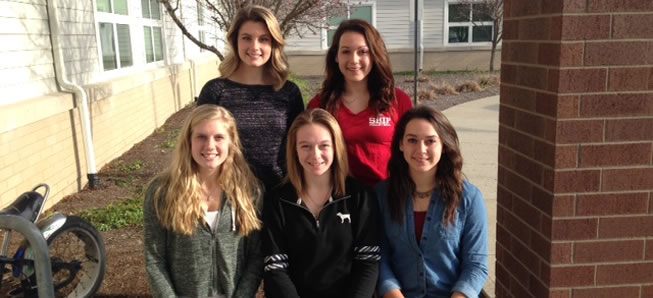 5 Lady Hornets named to All-Region volleyball team.