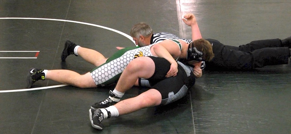 Hornet wrestlers fall to Athens